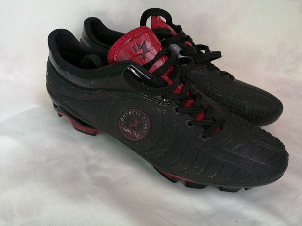 Продам кроссовки для футбола размер 41-42