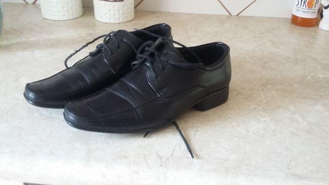Eleganckie buty dla chłopca rozm 35