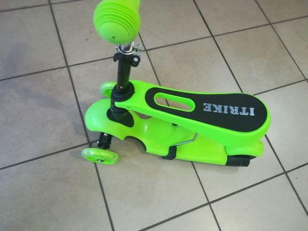 Салатовый самокат-беговел,светящиеся колеса.Выдерживает 80 кг
