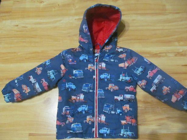 Продам демисезонную фирменную куртку на мальчика 2-3 лет