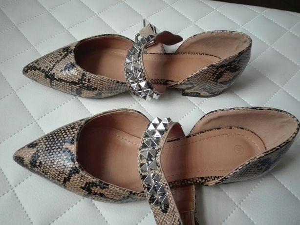 Buty balerynki skòra węża 36 szpic