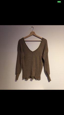 Złoty sweter w serek Zara M