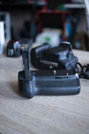 Canon 80D + grip