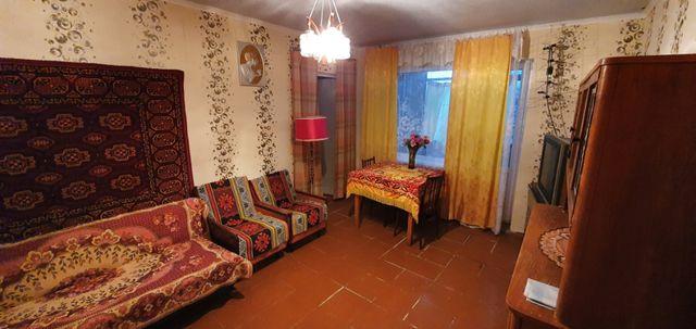 Продам 2-комнатную кв-ру (полуторка) 3 этаж. дом 19.
