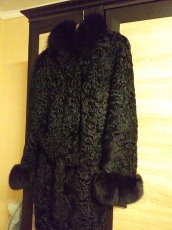 Продаю шубу б/у,та пальто у хорошому стані