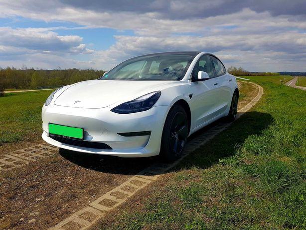 Tesla Model 3 do ślubu