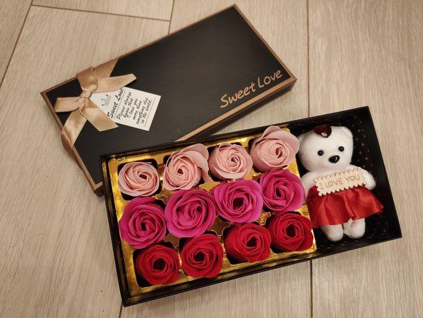 Подарочный набор для девушки розы в коробке, мыло ручной работы, бокс