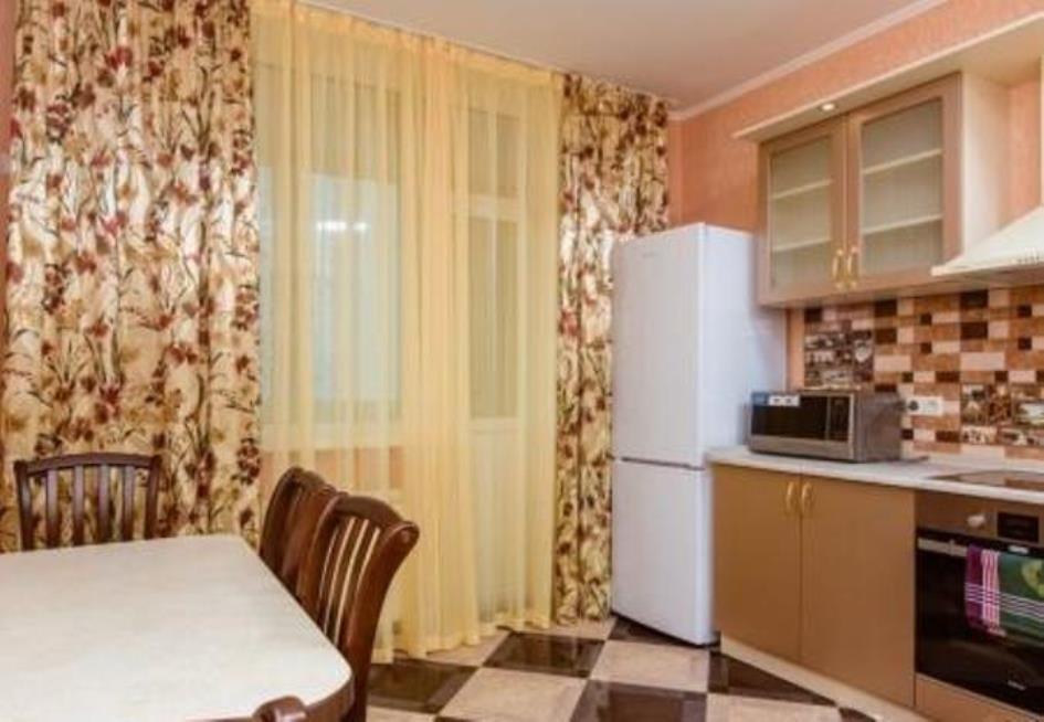 Посуточно двухкомнатная квартира ул.Чавдар 3, метро Осокорки-1
