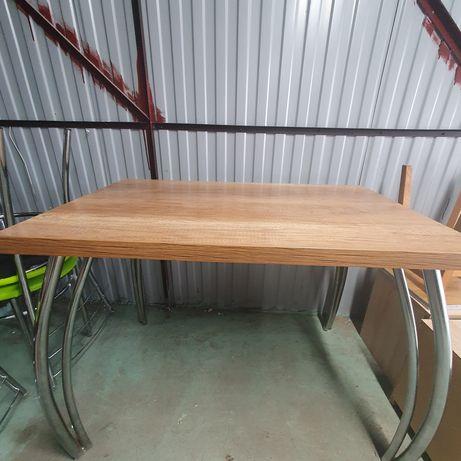 Stół i krzesła do jadalni kuchni
