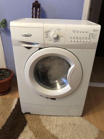Продам пральну машинку Whirlpool