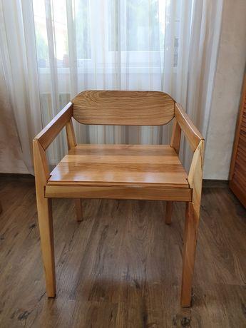 Продам деревянный авторский стул