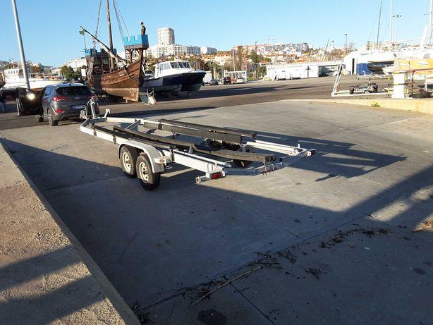 Atrelado para barco de 8m
