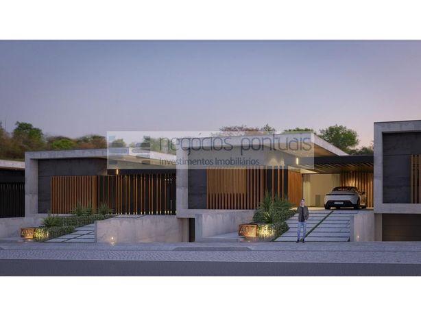 Moradia com 3 suites e excelente localização em Lomar e A...