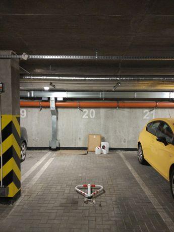 Miejsce parkingowe, postojowe, garażowe Bitwy Białostockiej 35a