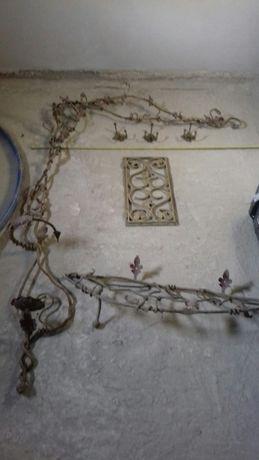 Stary kuty wieszak metaloplastyka