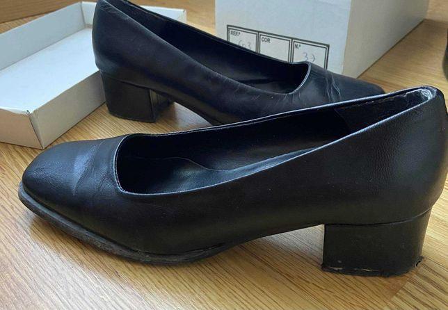 Sapatos de traje académico 37