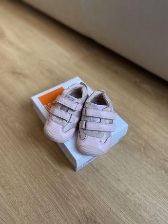 Кроссовки ботинки туфли biomecanics 19 размер 12 см