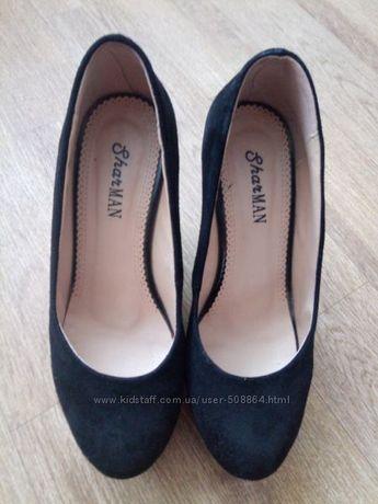 Черные замшевые туфли от Sharman