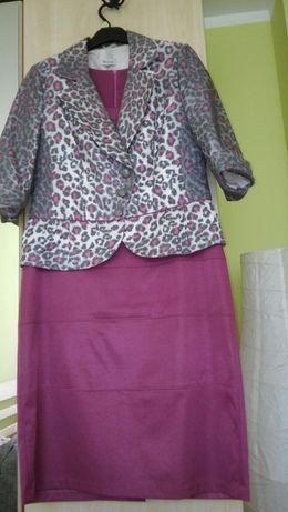 Sukienka z żakiecikiem