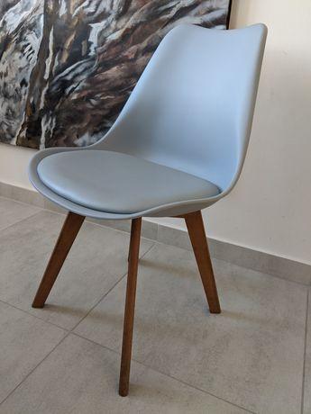 4 krzesła jadalniane szary zimny drewniane bukowe nogi