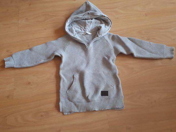 Sweterek h&m r.110-116 stan idealny.