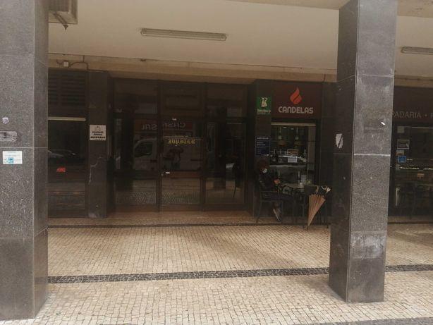 T1 com garagem junto Avª da Republica Gaia