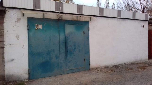 Продам гараж 6*8 на 3 авто,Ленинский район,Боссе