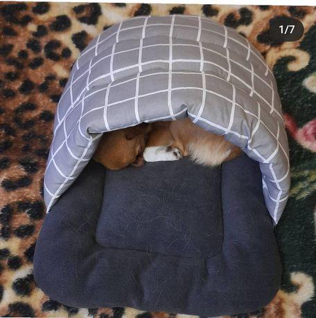 Домик-тапок лежанка для кота или маленькой собачки.