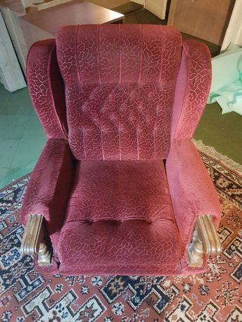 Fotel - stylowy, wygodny, ciemnoczerwony