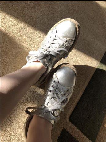 Взуття кеди кроссовки кросівки
