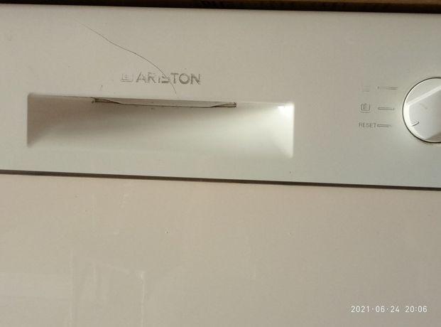 Продаю посудомойная машину Ariston, производство Италия.