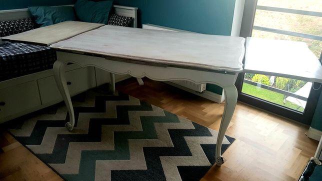 Sprzedam drewniany francuski stół w stylu vintage