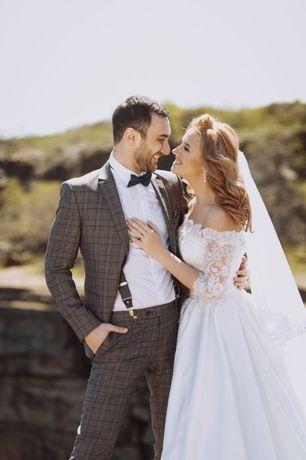 Продам роскошное свадебное платье. Город Донецк. Стоимость  25000 руб.