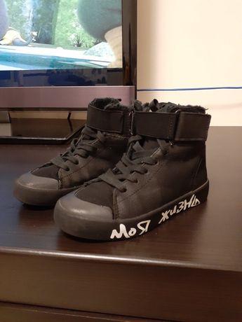 Продам zara высокие утепленные кроссовки
