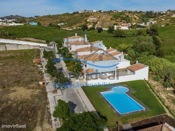 Moradias T4 - Acabamentos de luxo - Quinta do Juncalinho ...