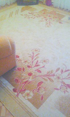 Срочно гарний килим