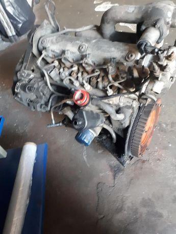 Silnik renault trafic 1.9