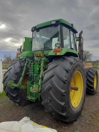 John Deere 7800 трактор