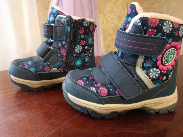 Продам зимние ботинки для девочки