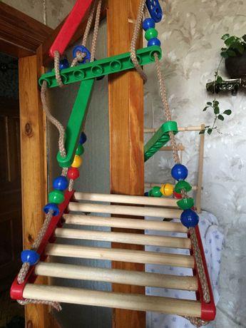 Детские деревянные  качели