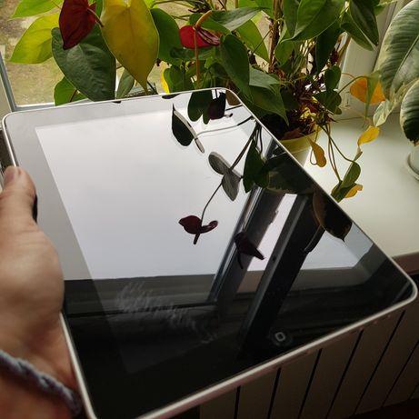 iPad 1  16GB в рабочем состоянии