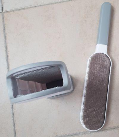 Escova para remover pêlos da roupa