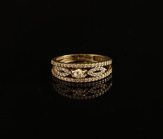 Złoto 333 -złoty pierścionek z cyrkoniami. Rozmiar 12