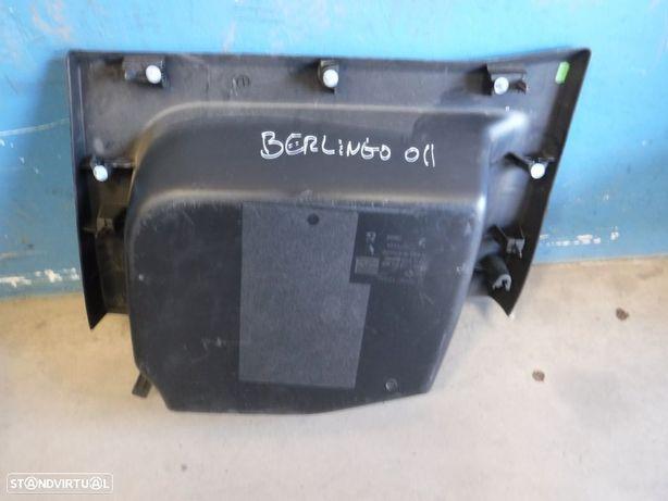 Forro / Plastico Lateral Citroen Berlingo B9 Peugeot Partner 08-> 968142047