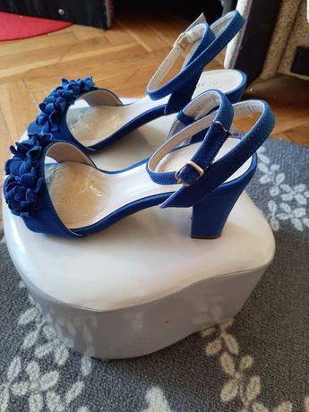 Niebieskie buciki jak nowe. Różne 37, dł wkł 24 cm