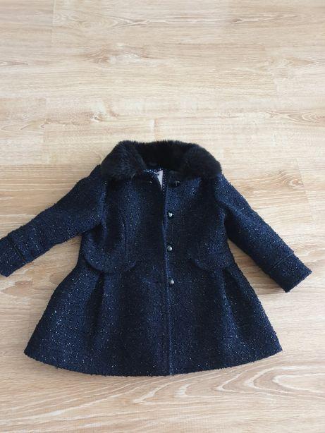 Piękny płaszczyk dla dziewczynki