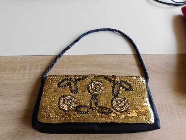Oddam za darmo śliczną torebkę damską, wyszywaną cekinami.