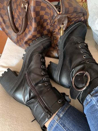 Ботинки Bershka . Не (Zara) демисезонные  устойчивый .. Каблук