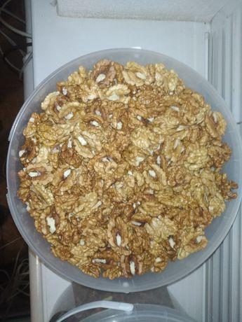 Грецкие орехи очищенные,ядро грецкого ореха,перепонки.