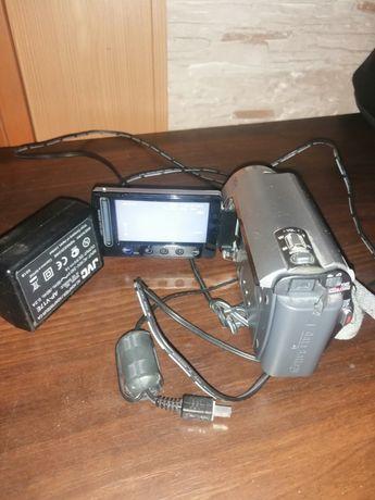 Продам видео камеру  миниатюрную в отличном состоянии